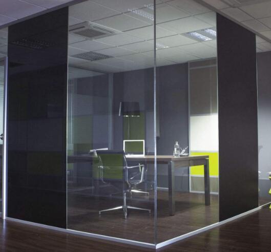 天津玻璃隔断适用于什么办公场合