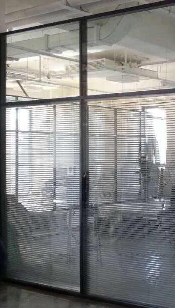 北京玻璃隔断材料如何选择