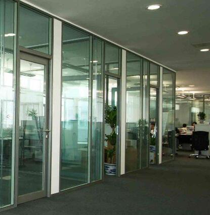 玻璃隔断适用范围及安装标准