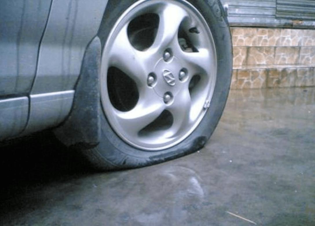 沿河道路救援轮胎被扎案例