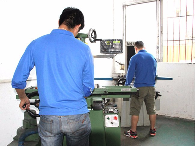 精密机械加工——铣床加工设备