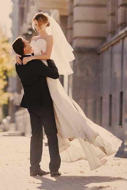 重庆西服定制店铺为您提供婚礼西服、新郎西服定制服务