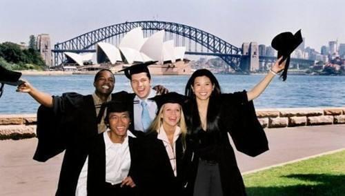 留学生海归海外友人们为什么喜欢选择到深圳落户?