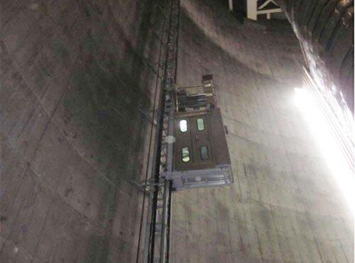 烟囱升降机1