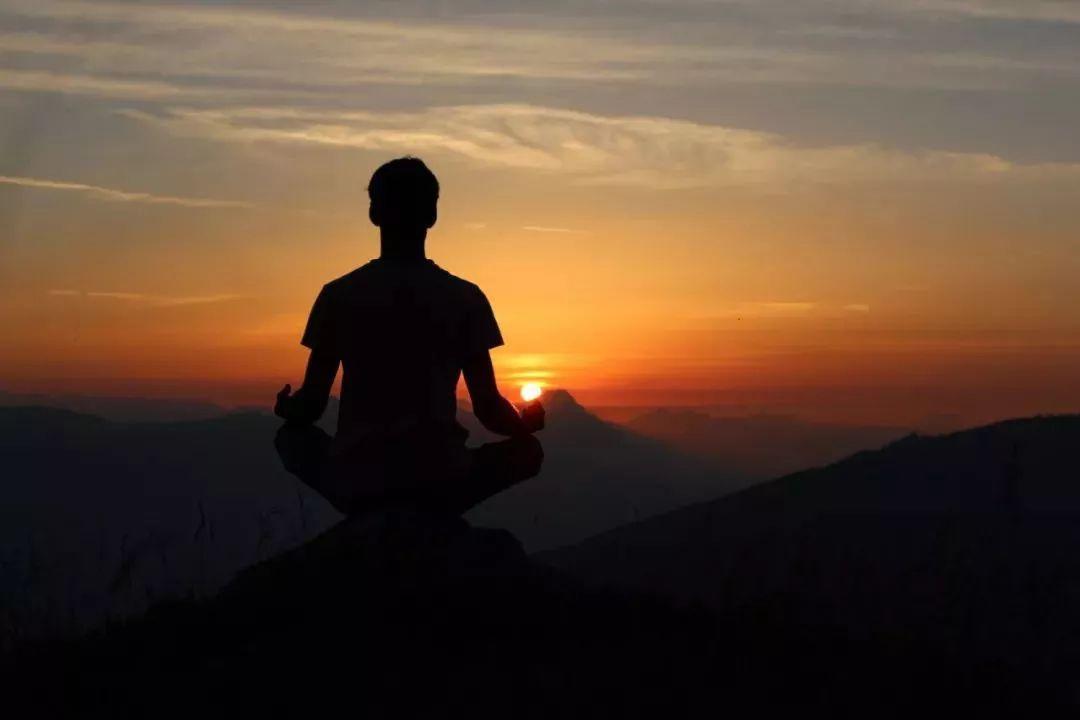 四大催眠心法之一:专注而放松,活在当下