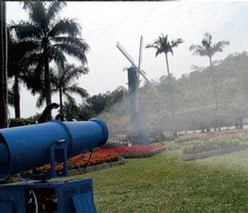 风送式远程喷雾机应用于农药喷洒
