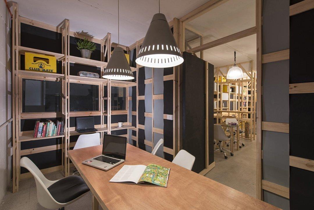 上海办公空间装修S型遮光升降木百叶窗帘