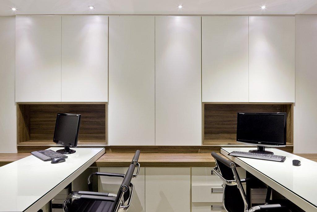 上海办公空间装修使用PVC地板