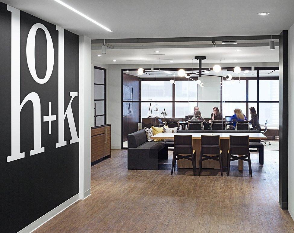 上海办公空间装修简约灯光怎么选择?