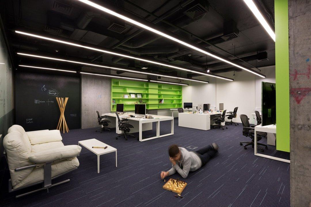 上海办公空间装修灯光该如何选择?