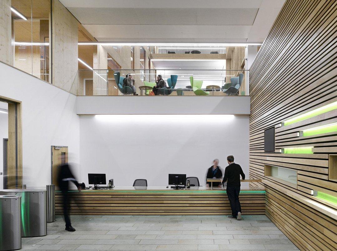 为什么上海办公空间装修用红木家具