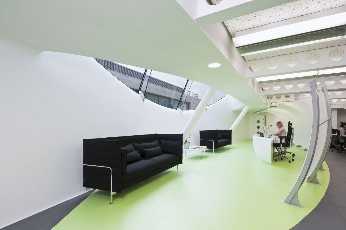 环氧地坪漆在上海厂房装修中的使用要点