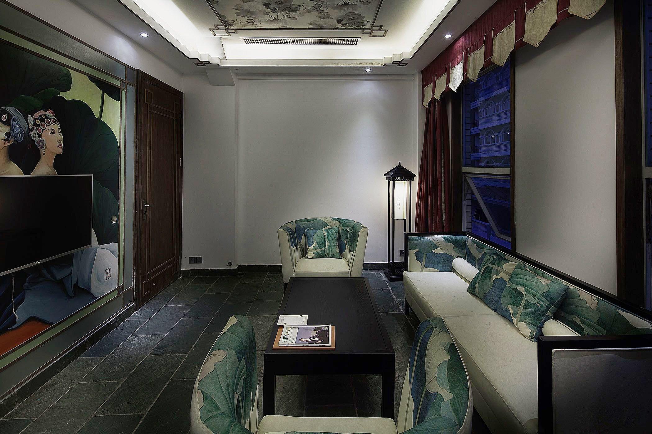 上海办公室装修中玻璃门的种类