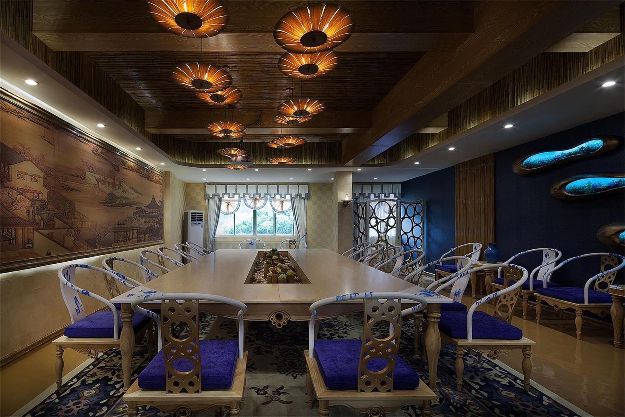 上海办公室装修中玻璃隔断怎么选购