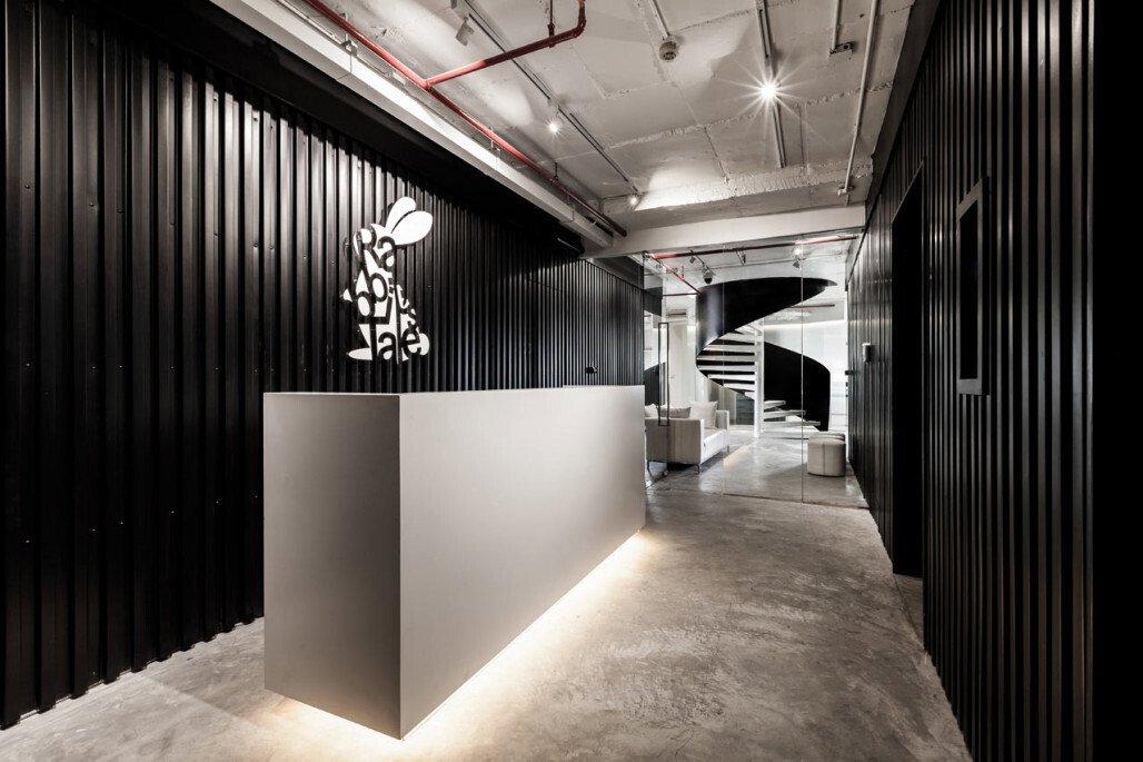 上海办公室装修之PVC地胶的选择要点