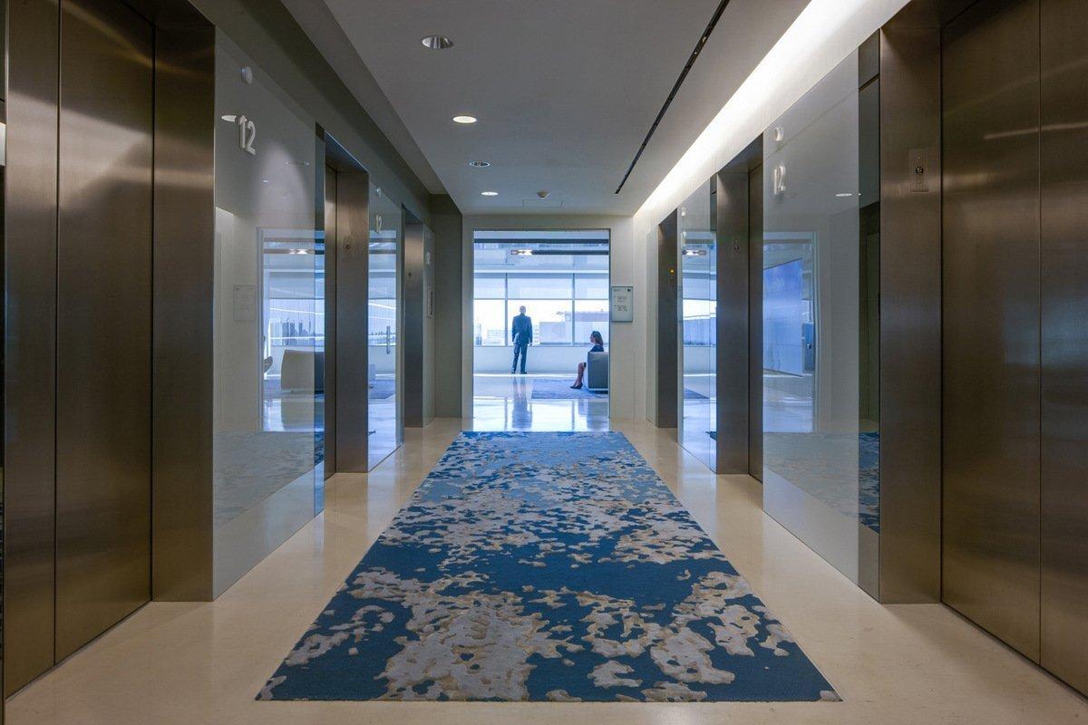 上海办公室装修的地毯的清洗方法