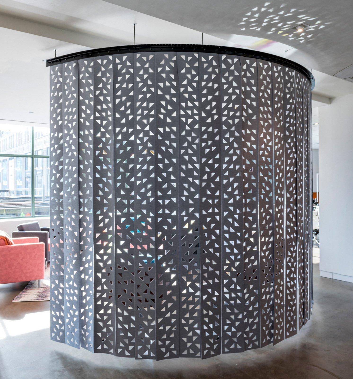 上海办公室装修中办公窗帘如何设计