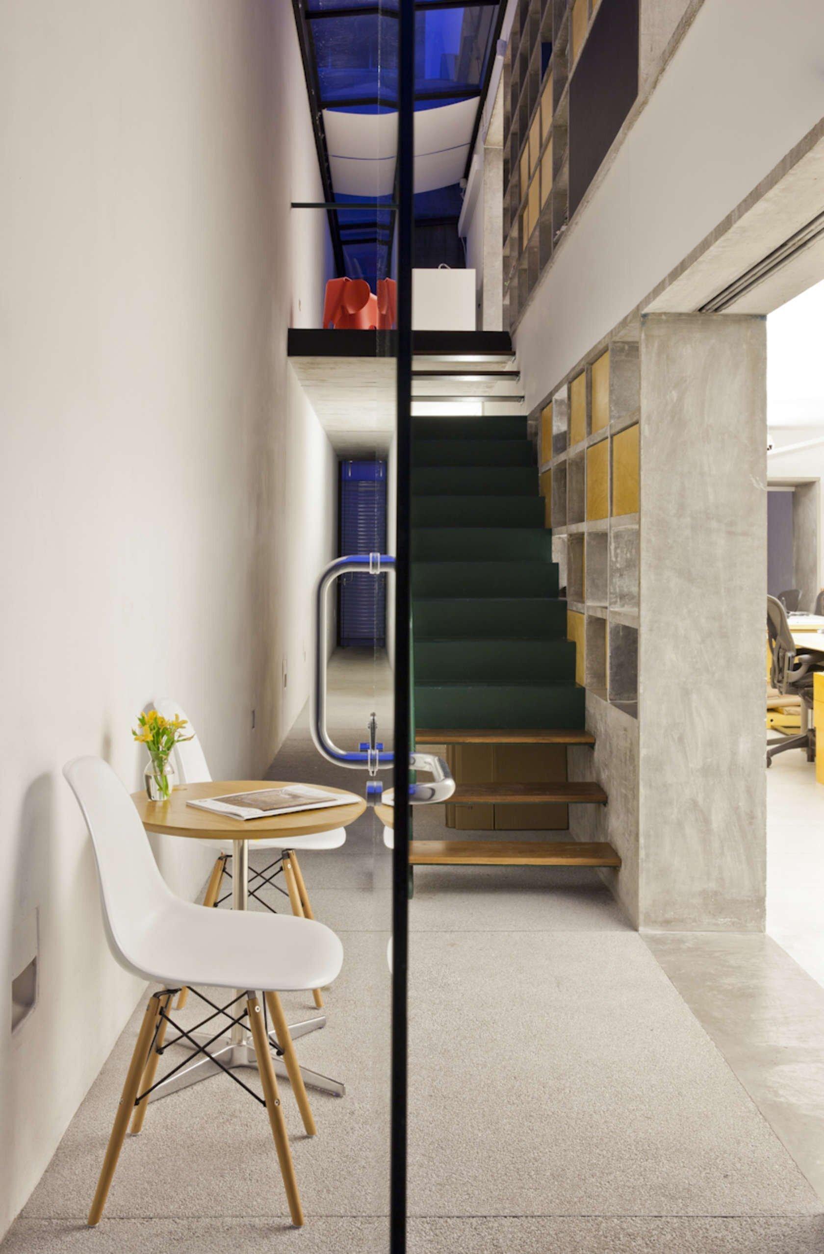 17上海办公室装修后室内绿化的必要性