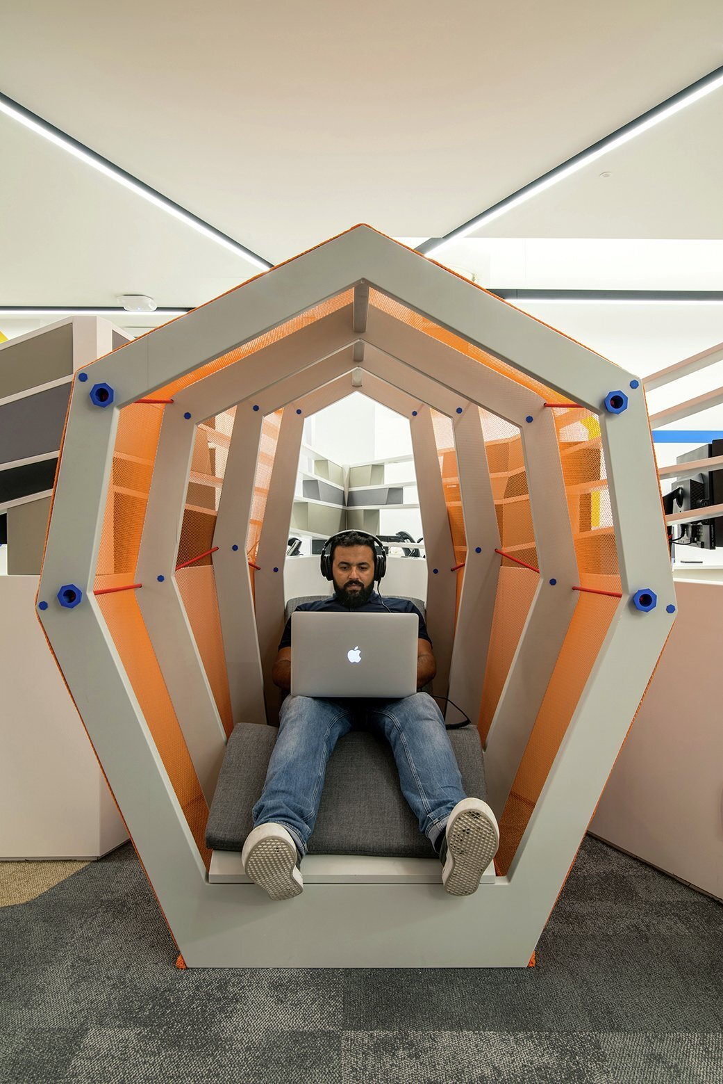 办公室装修设计财神像摆放在哪里最好