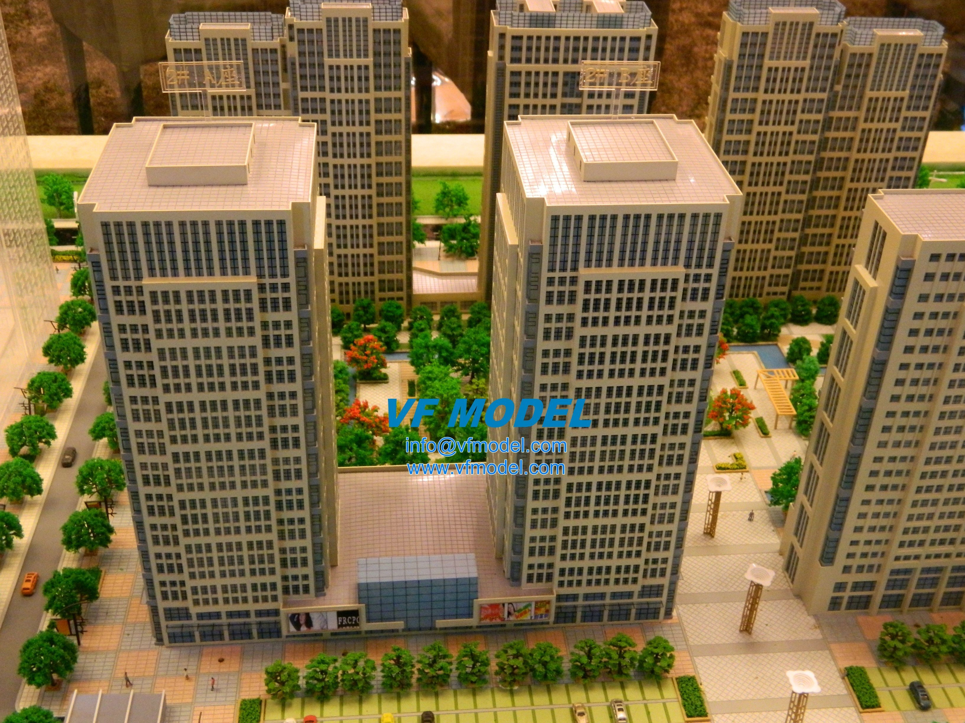 commercial scale model 1