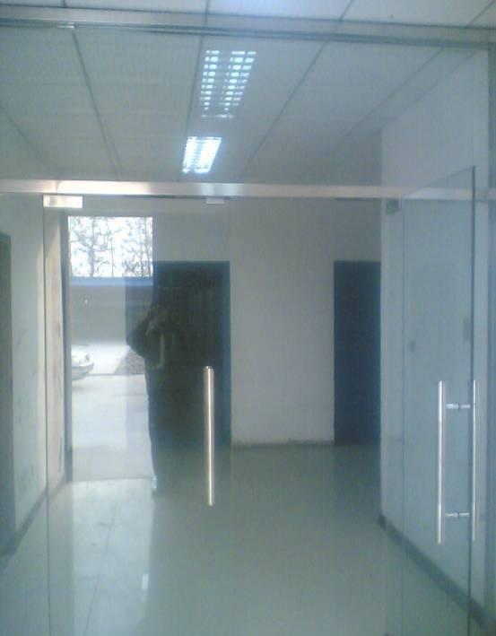 成都商铺玻璃门,办公室玻璃门案例