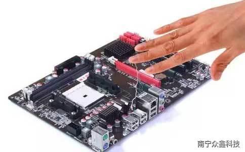 靜電對機房計算機的危害