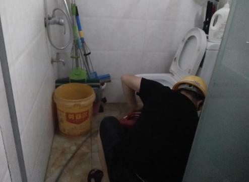 大转盘厕所疏通