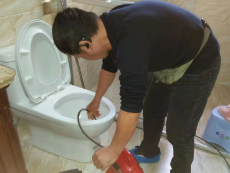 i抽水马桶疏通方法技巧介绍