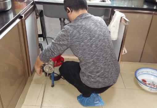 厨房下水道疏通小窍门