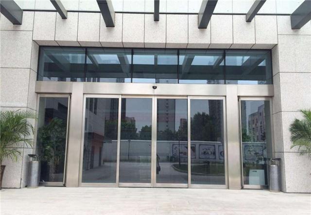不锈钢平开玻璃门