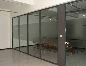 成都安装地弹玻璃门 玻璃隔断安装