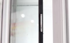 岗亭玻璃门窗特写