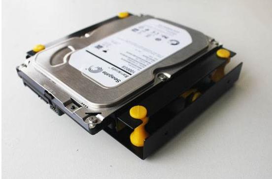 新電腦安裝舊機械硬盤速度非常慢怎么維修