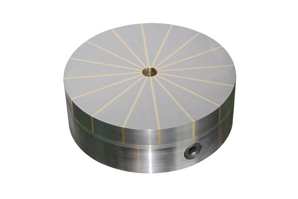 永磁除铁器具有免维护、磁力强、运行可靠等优点