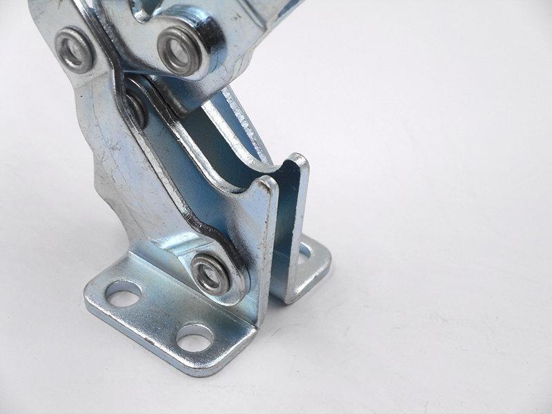 有关机器人焊接夹具的图片