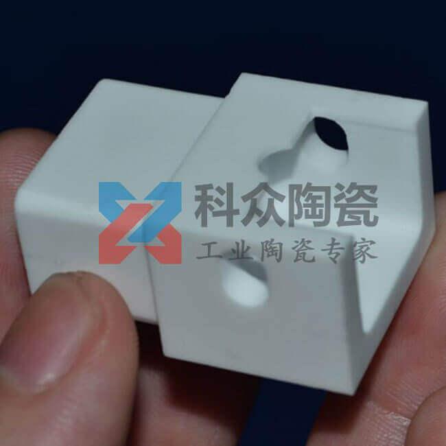 耐高温工业陶瓷件