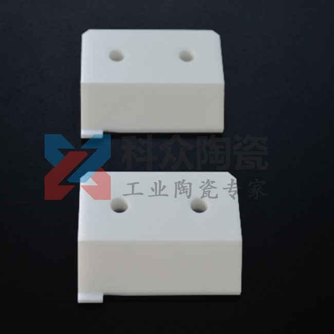 耐高温工业陶瓷材料