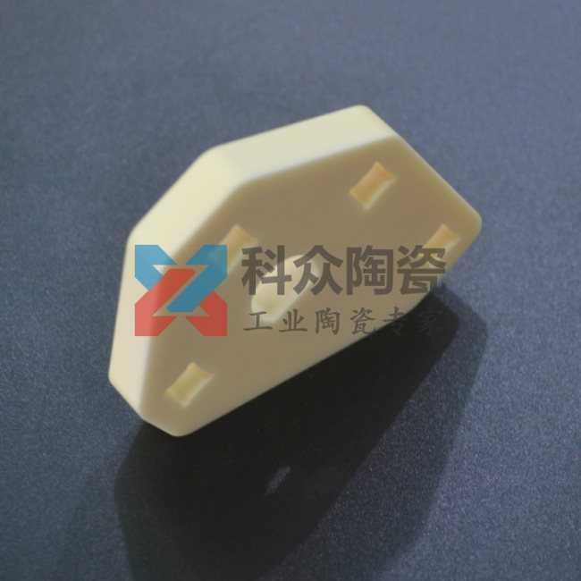 高纯氧化铝性能