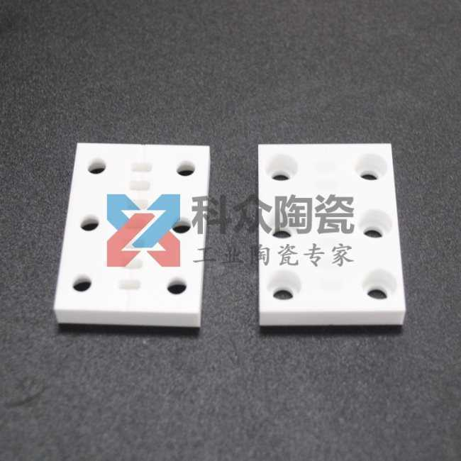 氧化锆工业陶瓷板打孔挖槽