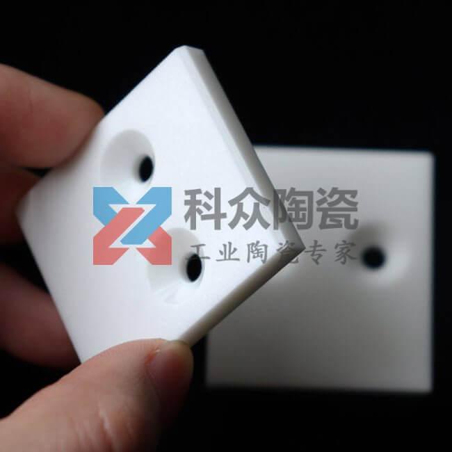 氧化锆工业陶瓷片打孔倒角