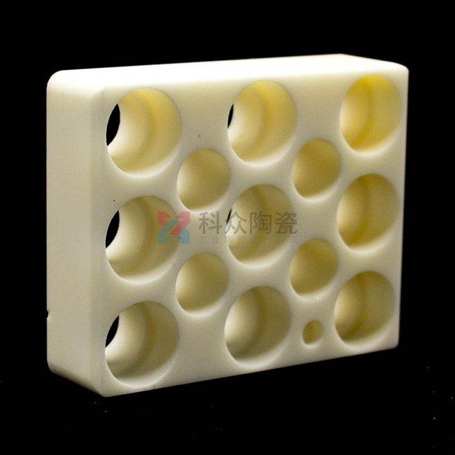 多孔氧化铝工业陶瓷件