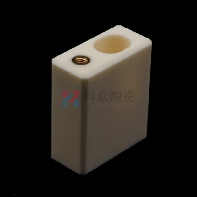 氧化铝工业陶瓷块打孔