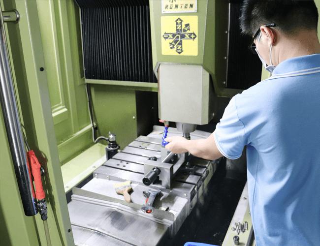 工业陶瓷生产厂家加工现场