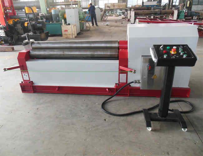 W11-12×2000三辊机械对称式卷板机