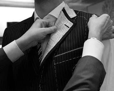 传统服装企业的阻碍与机遇