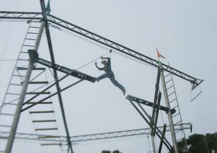 高空拓展项目:空中断桥