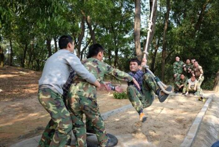拓展训练项目:泰山绳