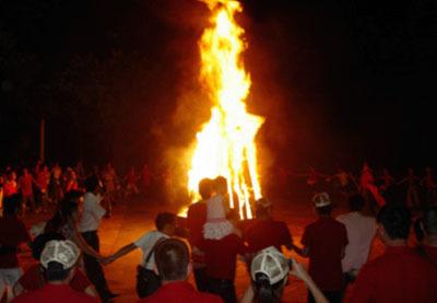 拓展训练项目:篝火晚会