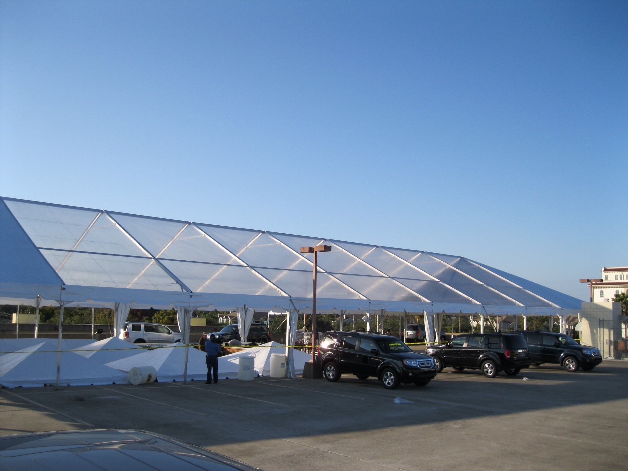 Frame tents are free standing  ...