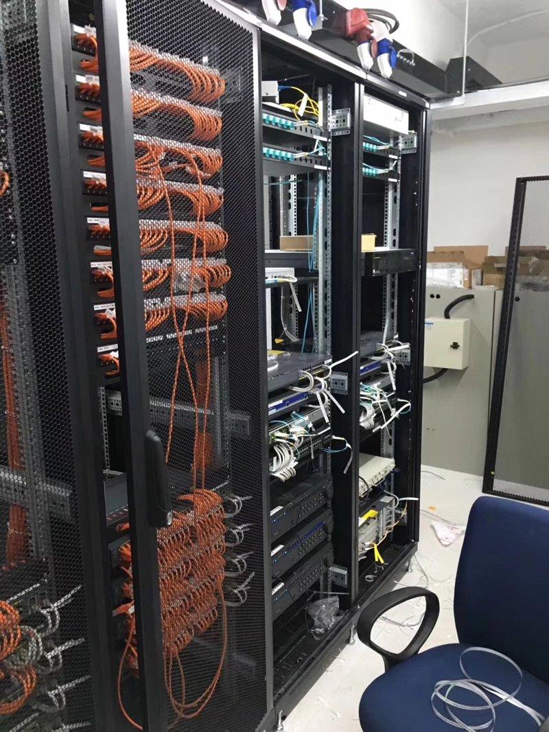 大型电棍方案中如何选择网络电棍交换机